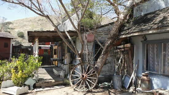Isabella Motel : Silver city ghost town