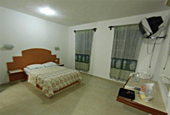 Progreso Beach Hotel: Una habitación sencilla