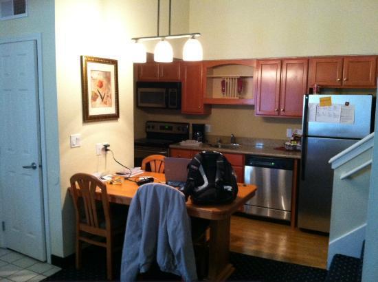 Residence Inn Seattle North/Lynnwood Everett : Kitchen
