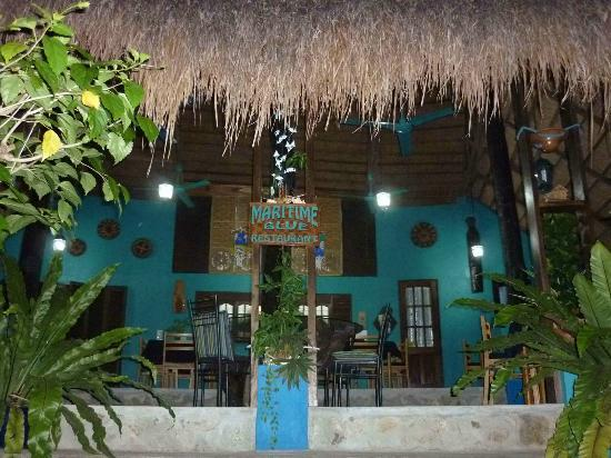 Tuko Beach Resort: Restaurant