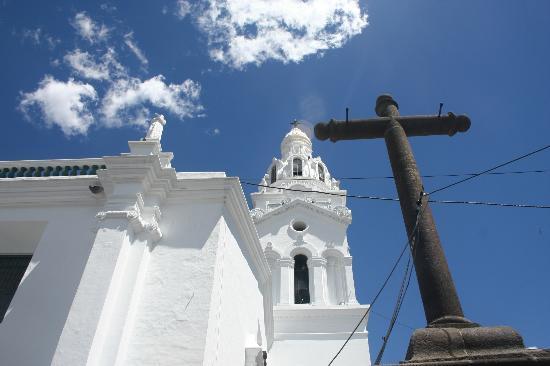 Santo Domingo Plaza (Plaza de Santa Domingo): Church in the Plaza