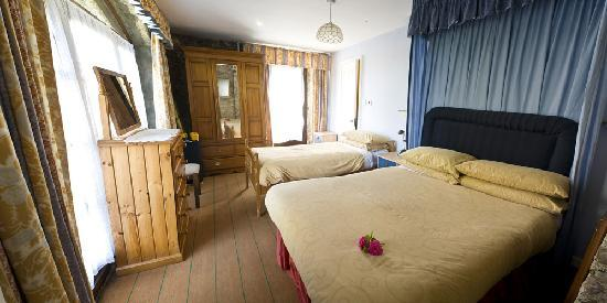 Bandon, Irland: Garden Apartment Bedroom 1