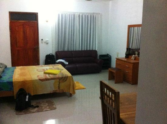 Shanith Guest House: View of Bedroom
