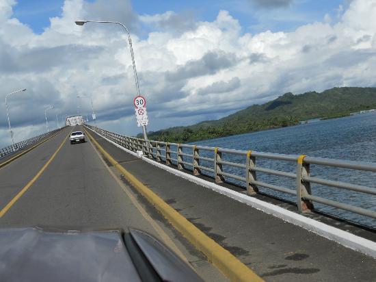 San-Juanico-Brücke: passing through