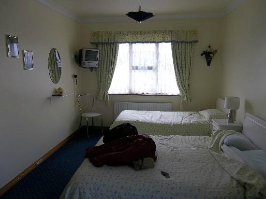Clifden Farmhouse: Chambre