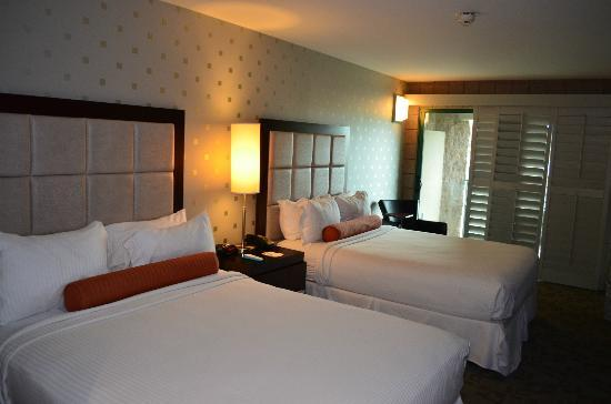 Best Western Plus Sundial: 2 queen size very comfortable beds