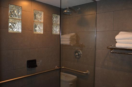 BEST WESTERN PLUS Sundial: large walk in shower (no tub)