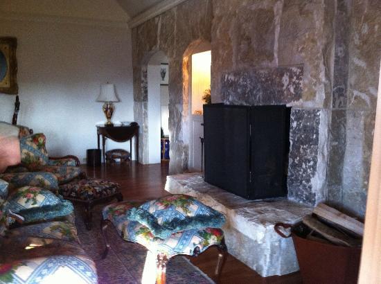 بلانتاير: part of living room