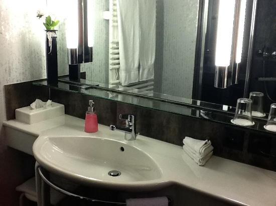 Hotel Hecht Appenzell: bathroom