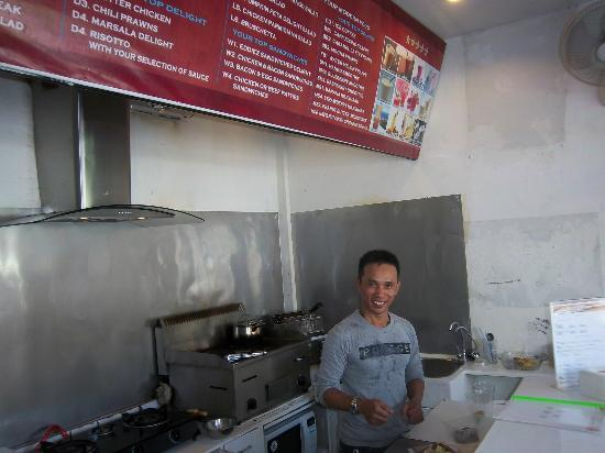 RCB Patong Hotel: small restaurant close but really very good ! EDDIEZ