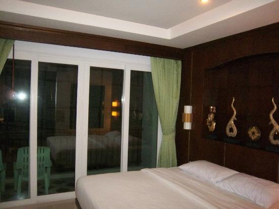RCB Patong Hotel: ROOM SUPERIOR