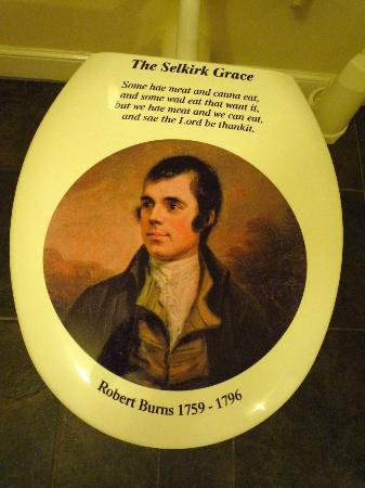 The Selkirk Arms Hotel: Toilet seats maintain the Burn's theme