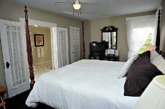 The Home Place Inn: Suite Room 3
