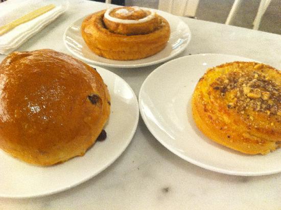 United Bakeries : Bun PecanBun CinnamonBun