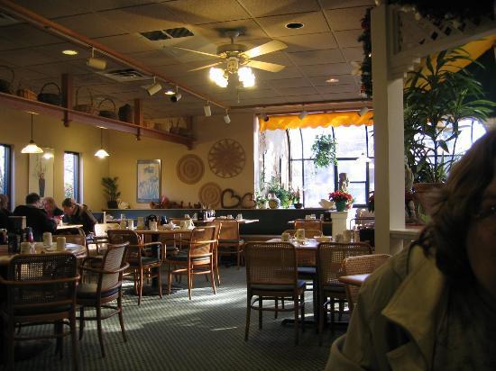 Gazebo House of Pancakes Dining Area