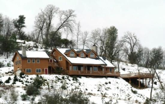 Tucker Peak Lodge: A winter wonderland!