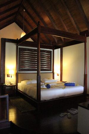 Robinson Club Maldives: Convenient and big bed