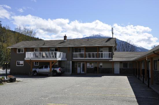 Swiss Chalet Motel Mt Mckenzie