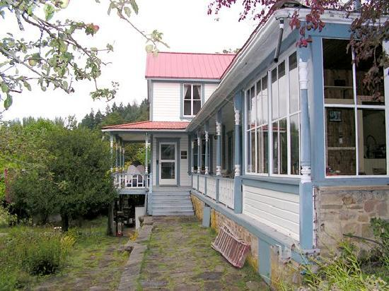 Breezy Bay Farm Bed and Breakfast