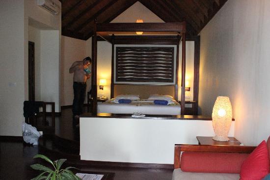 Robinson Club Maldives: Big and convenient bed
