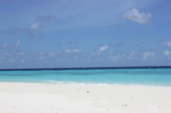 Robinson Club Maldives: Wonderful water and snow-white sand