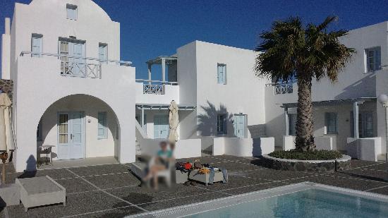 El Greco: Pool and villas