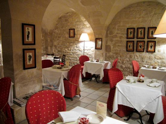Millesime Hotel: the breakfast grotto in the basement
