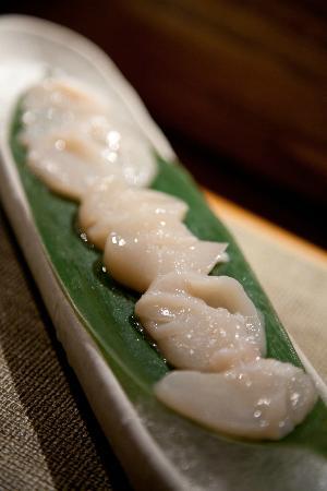 Kanpai Sushi Bar and Grill: Scallop sashimi with citrus truffle oil