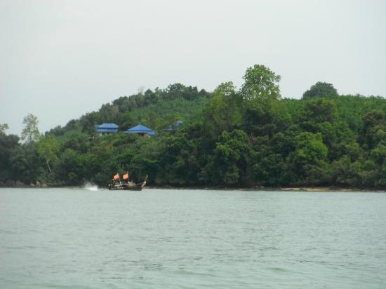 Esmeralda View Resort: view of esmeralda from the sea