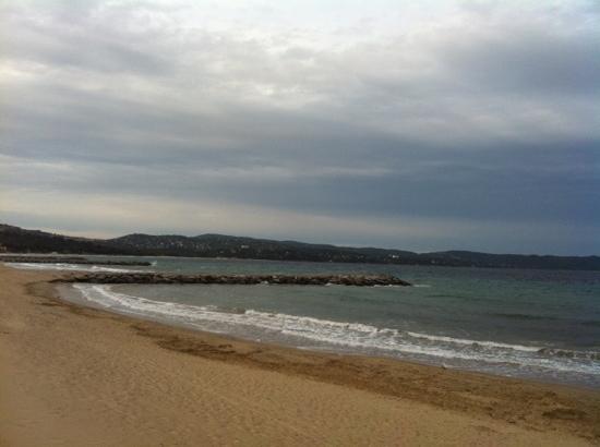 Cavalaire-Sur-Mer, ฝรั่งเศส: plage devant le Yams!