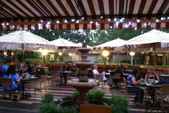 Chop Stix Bistro: Patio Dining In Thornebrook Center