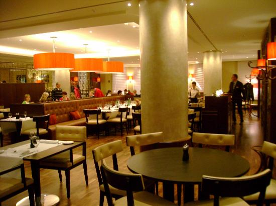 Prague Marriott Hotel: Lobby Restaurant