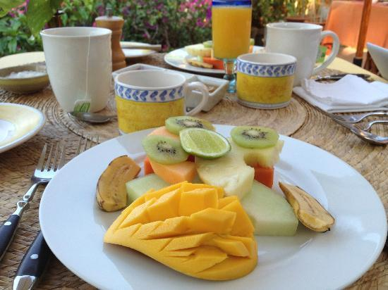 La Quinta Troppo: Fresh fruit for breakfast