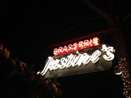 Justine's 1937: good neon welcome