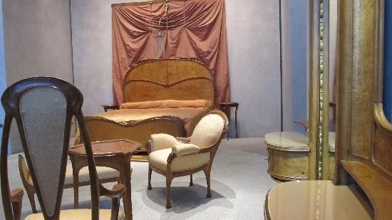 Musee des Beaux-Arts: the bedroom of art nouveau designer, Hector Guimard