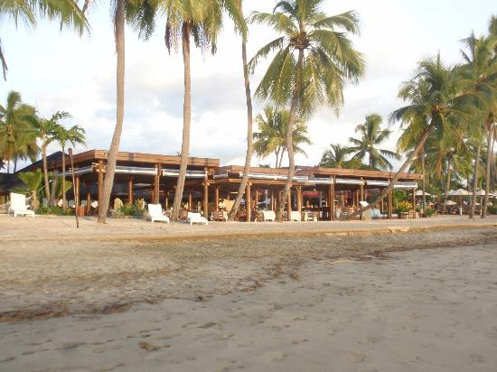 Sheraton Fiji Resort: beach front bar