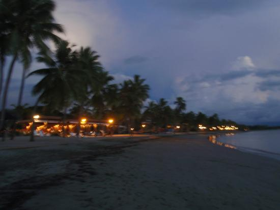 Sheraton Fiji Resort: beach front