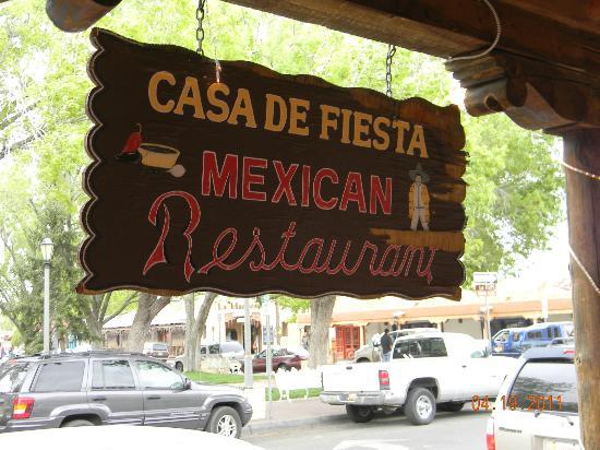 Casa DE Fiesta Mexican Grill: Sign in front of restaurant.