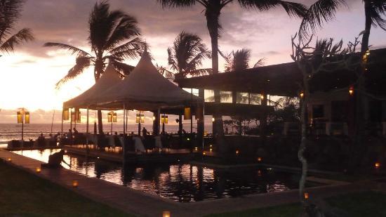 Breeze at The Samaya Seminyak: Sunset view from Island