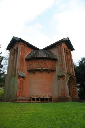‪Watts Chapel‬