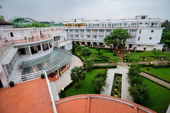 La Residence Hue Hotel & Spa: Hotel & grounds
