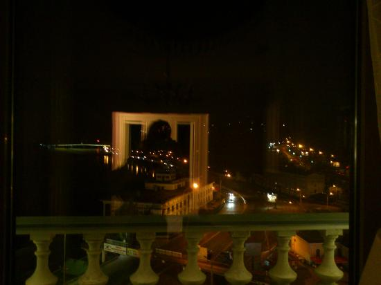 Fairmont Grand Hotel Kyiv: View from my room night