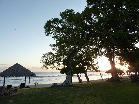 Eratap Beach Resort: Looking out near sunset