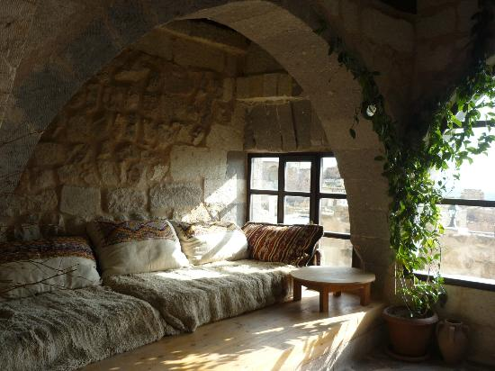 Takaev Cave Hotel & Guest House: Espace salon