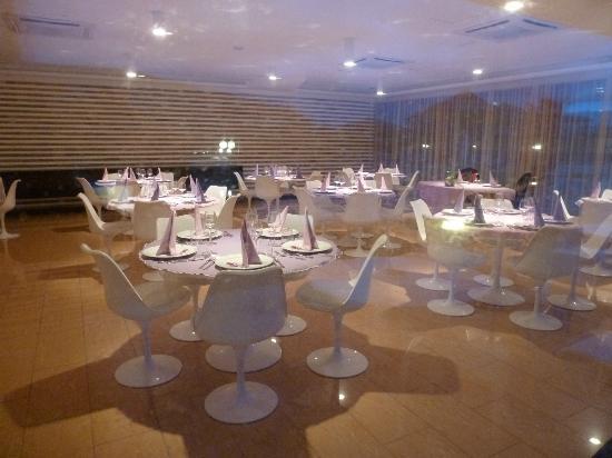 Heracles Village Hotel: La salle à manger