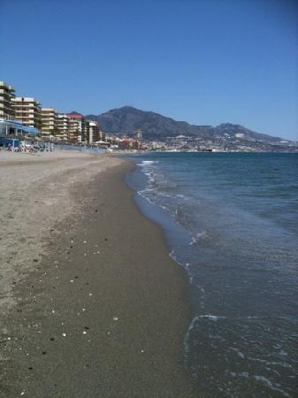 Hotel Monarque Fuengirola Park: beach
