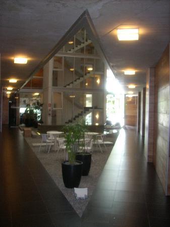 Costa Colonia Riverside Boutique Hotel: Hotel (espacio interior)