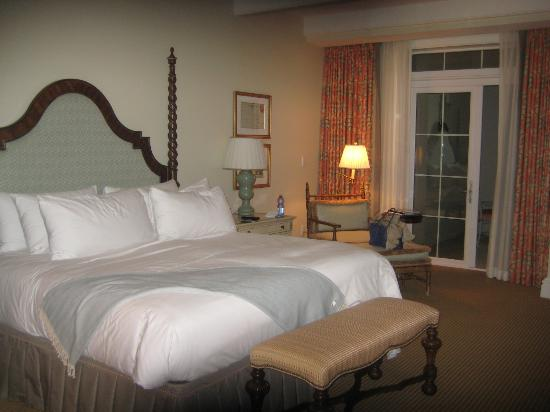 Tuckers Point Club Golf Villas: Kingsize Bed Poolside Zimmer