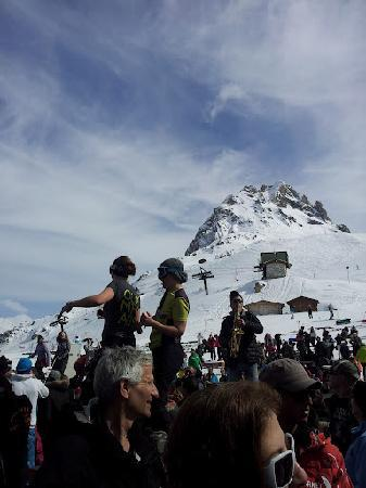 Club Med Val d'Isere : La folie douce ...don't miss music and fun high up in the alps