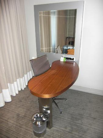 Holiday Inn Johannesburg-Rosebank: work desk